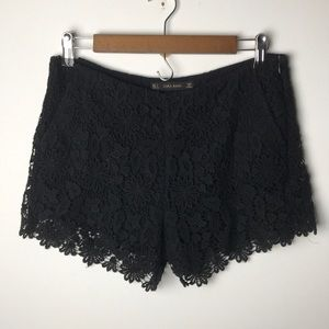 Zara black lace shorts with pockets S